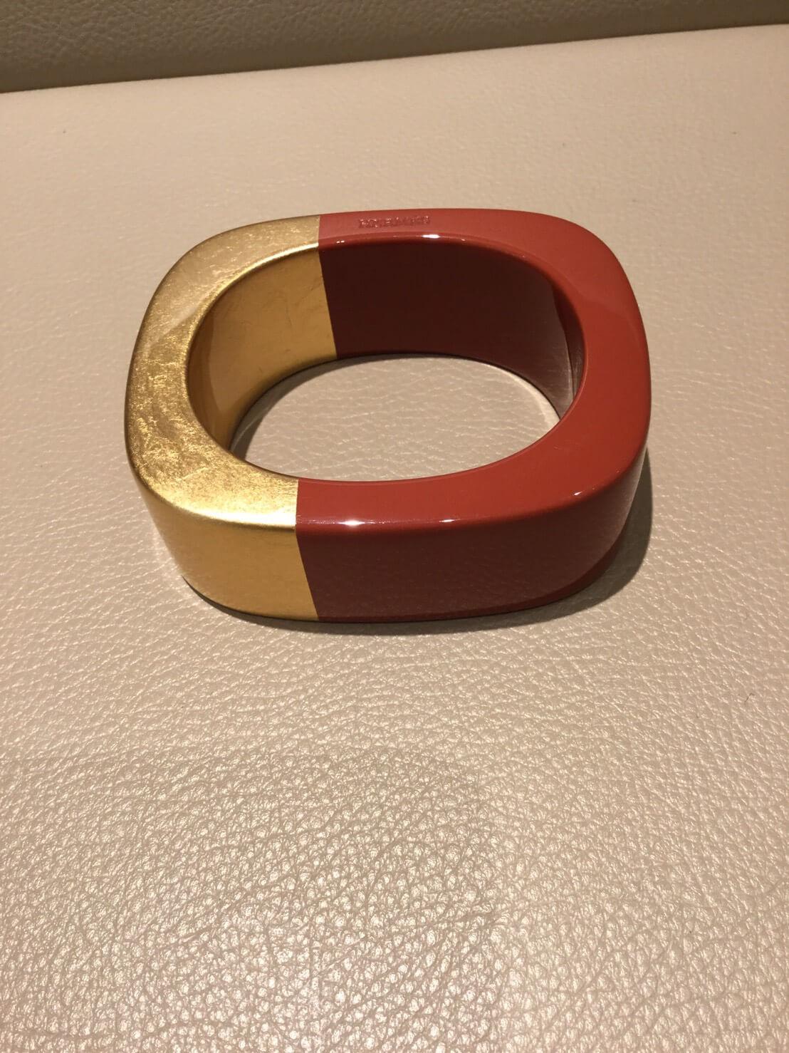 エルメス バングル ブラウン/ゴールド プラスチック