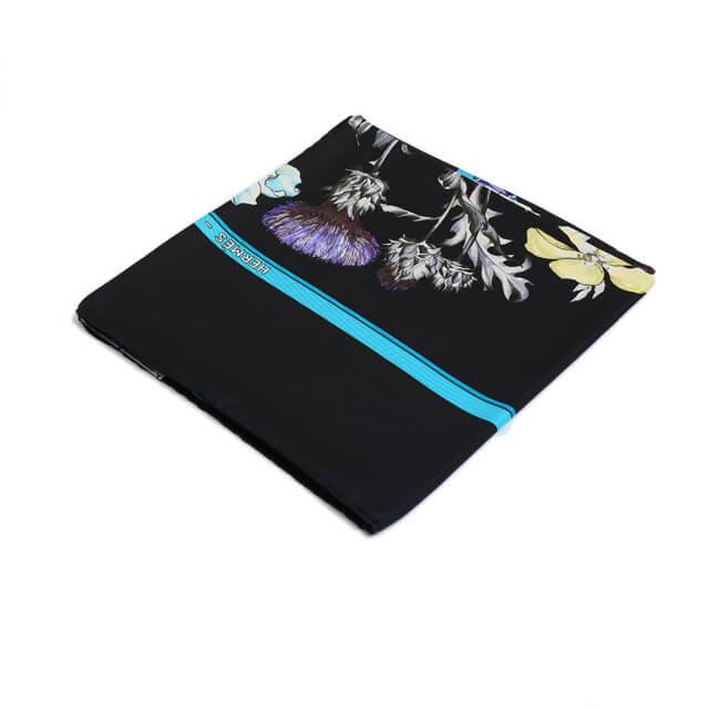 買取実績|エルメス カレ90 REGINA 女王陛下 ブラック シルク スカーフ【2019.09.14】