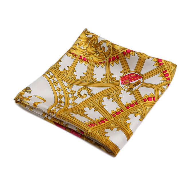買取実績|エルメス カレ90 BRITISH HERALDRY 英国紋章 シルク ホワイト/ピンク スカーフ【2020.03.06】